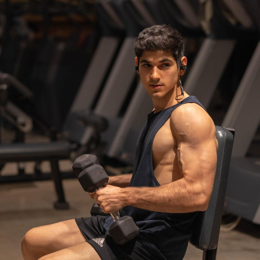 Picture of Elad Michaeli Exercise in Gym - Hot Muscle Guy